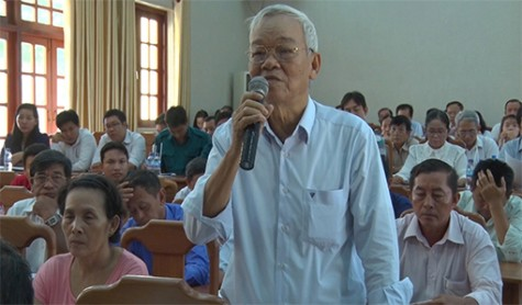 Bí thư Thị ủy Bến Cát đối thoại với nhân dân