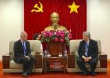 Ông Đặng Minh Hưng, Phó Chủ tịch UBND tỉnh tiếp Hiệu trưởng trường Đại học Việt Đức