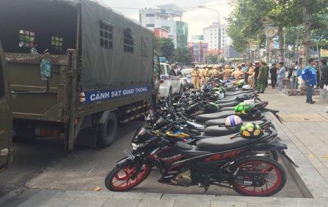 Lực lượng CSGT Công an tỉnh: Tạm giữ hàng chục mô tô của nhóm Biker vi phạm luật giao thông