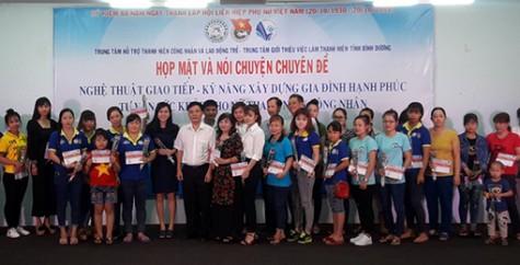 Tăng cường công tác tuyên truyền trong nữ công nhân lao động