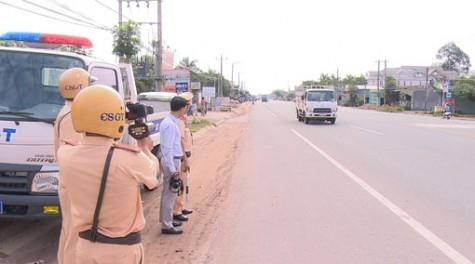 Tăng cường tuần tra, xử lý vi phạm trên quốc lộ 13