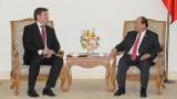 越南政府总理阮春福会见波兰驻越南大使沃伊切赫