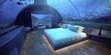 Ngỡ ngàng khách sạn dưới biển nơi du khách có thể ngủ cùng cá mập