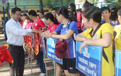 Traditional volleyball tournament of education-training sector opens