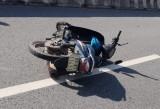 Lao xe vào dải phân cách, một thanh niên tử vong