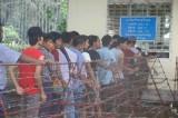 CĐV Myanmar xếp hàng dưới nắng mua vé xem AFF Cup 2018