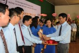 Trường Cao đẳng Việt Nam-Hàn Quốc Bình Dương: Khen thưởng 46 cá nhân, tập thể hoàn thành xuất sắc nhiệm vụ năm học 2017-2018