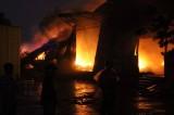 Cảnh sát PC&CC tỉnh: Trắng đêm khống chế ngọn lửa bao trùm nhà xưởng