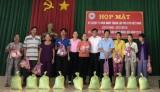 Hội Chữ thập đỏ phường Định Hòa (TP.TDM): Tặng 20 phần quà cho các đối tượng khó khăn