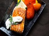 Cá thu nướng với sốt cam
