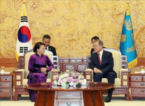Korean media highlights meeting of Vietnamese NA Chairwoman, RoK President
