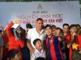 Cầu thủ Nguyễn Anh Đức giao lưu với người hâm mộ tại Bình Dương