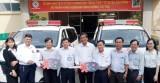 Trung tâm y tế huyện Dầu Tiếng tiếp nhận 2 xe cứu thương
