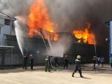 Cháy lớn tại công ty sản xuất nệm, mút xốp