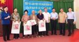 Đoàn giám sát của Ủy ban về các vấn đề xã hội của Quốc hội làm việc với ngành y tế TX.Thuận An