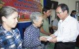 Đoàn lãnh đạo tỉnh thăm, tặng quà Tết cho gia đình chính sách, hộ nghèo,  trẻ em có hoàn cảnh khó khăn