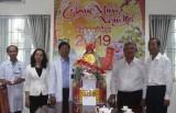 Đoàn lãnh đạo tỉnh thăm, chúc tết Bệnh viện Đa khoa tỉnh và tặng quà cho bệnh nhân nghèo