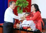 平阳省领导会见前来拜年的各机构单位代表团
