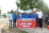 Đoàn Thanh niên Becamex TDC phát hơn 200 thùng nước miễn phí