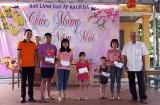 Câu lạc bộ Kỹ năng huyện Dầu Tiếng: Trao tặng 20 phần quà cho học sinh khó khăn