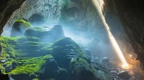 越南广平省韩松洞景观继续受到国际媒体的关注