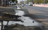 Nước thải sinh hoạt chảy tràn trên mặt đường