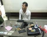Bắt nghi can tàng trữ ma túy