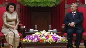 越共中央书记处常务书记陈国旺会见柬埔寨国会第二副主席宫桑达里
