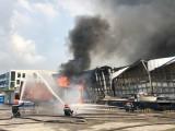 Hàng chục ngàn m2 nhà kho Công ty Tây Thái Bình Dương bị lửa thiêu rụi