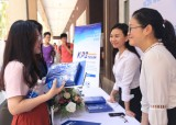 25家外国企业参加越德大学招聘会
