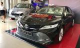 Toyota Camry 2019 về đại lý, chênh giá 100 triệu