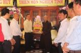 Các đoàn chúc mừng Phật giáo tỉnh nhân mùa Phật đản