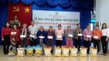 Trao tiền, tặng quà cho 51 địa chỉ nhân đạo ở huyện Phú Giáo