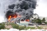 Cháy lớn tại Công ty chuyên sản xuất băng keo
