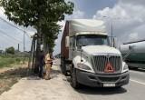 Xe container chạy ẩu tông chết người phụ nữ