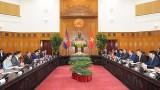 越南政府总理阮春福会见柬埔寨王国国会主席韩桑林