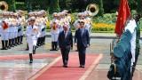 越南政府总理阮春福同意大利总理孔特举行会谈