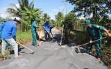 Thanh niên tình nguyện xây dựng nông thôn mới