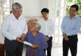 Lãnh đạo tỉnh thăm, tặng quà gia đình nạn nhân bị tai nạn lao động