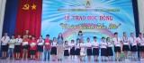 """Công đoàn Khu công nghiệp Việt Nam-Singapore: Trao học bổng """"Chắp cánh ước mơ"""""""