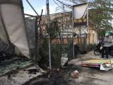 Cháy 4 ki ốt liền kề, nhiều người ôm đồ đạc chạy thoát thân