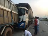 Xe tải chở than tông chết tài xế xe chở củi