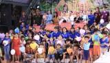 Hoa hậu Vân Anh và Ruby Anh Phạm thăm, tặng quà cho trẻ mồ côi, khuyết tật tại Trung tâm Nhân đạo Quê Hương