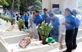 Hàng nghìn lượt khách dâng hương tri ân liệt sỹ tại Ngã ba Đồng Lộc