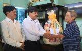 Đoàn lãnh đạo tỉnh thăm, tặng quà gia đình chính sách tại các địa phương