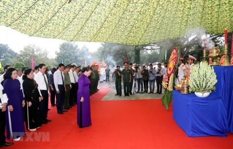 Chủ tịch Quốc hội dự Lễ an táng hài cốt liệt sỹ tại Tây Ninh