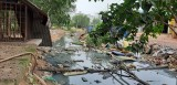 Đường xuống cấp, ngập nước, gây ô nhiễm khu dân cư