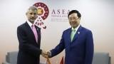 越南政府副总理兼外交部部长范平明会见印度和孟加拉国外长