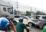 Xe container tông liên hoàn vào 5 xe du lịch, nhiều người bị thương nặng