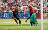 Manchester City thắng hủy diệt trong ngày mở màn Premier League